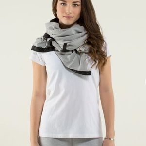 Lululemon Reversible striped Vinyasa scarf